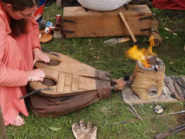 Andrea Miniatures-SV03-Norse Blacksmith par pisco - FIN ... et en  3D !! P6301910
