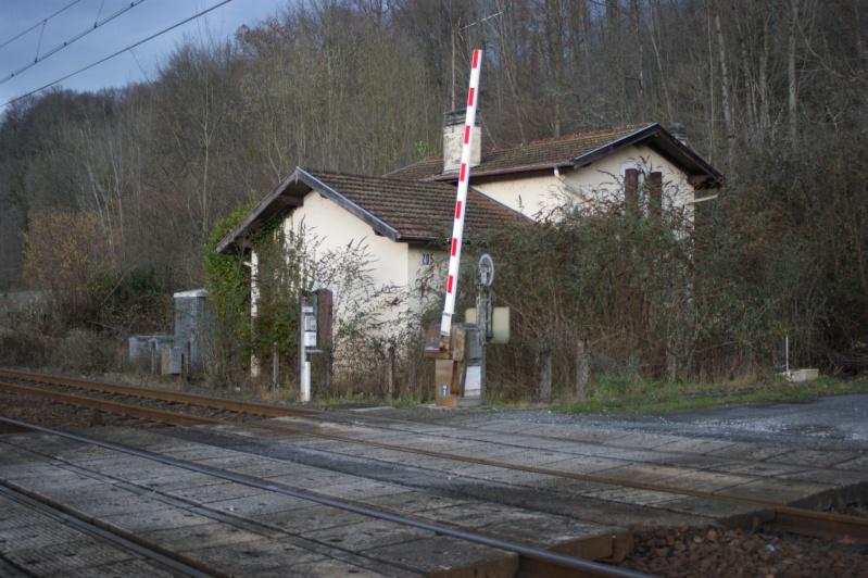 """Maison garde barrière dans """"son jus"""", mais ou ? (Résolu : Ligne Toulouse-Bayonne : Le PN à SAL 2 n° 205 ) Dsc07968"""