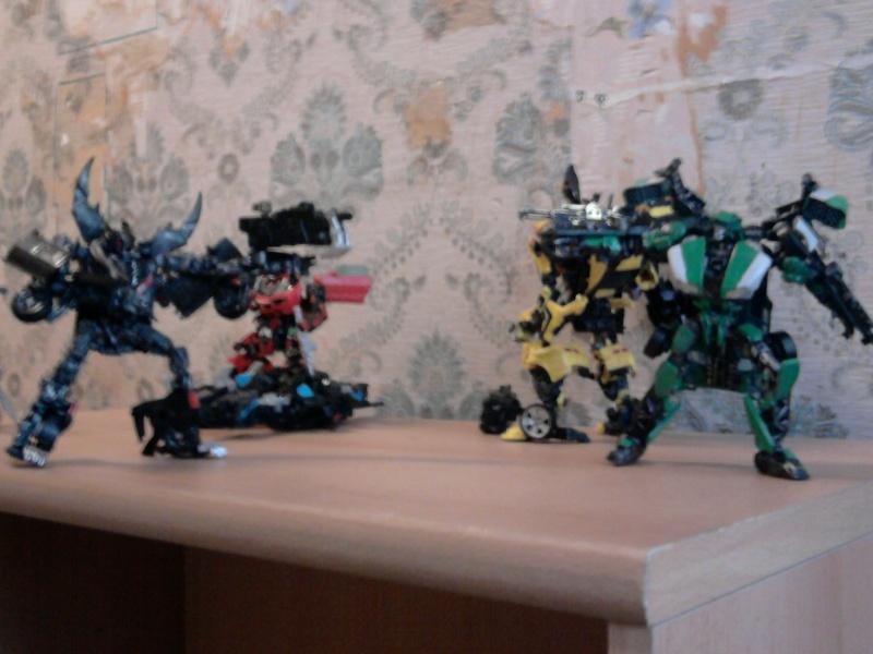 Guerres Transformers! Montrez-moi vos batailles et guerres épiques en photo ici. - Page 3 Photo031