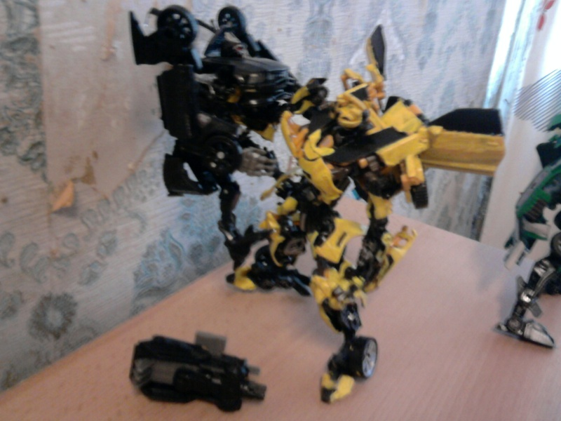 Guerres Transformers! Montrez-moi vos batailles et guerres épiques en photo ici. - Page 3 Photo032