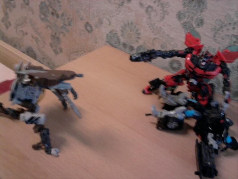 Guerres Transformers! Montrez-moi vos batailles et guerres épiques en photo ici. - Page 3 Photo033