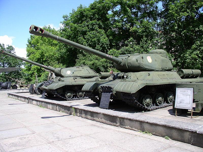 De l'IS-2 à l'IS-3 111