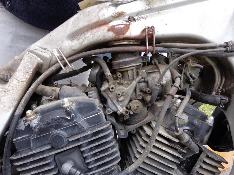 La rénovation de l'XLV 750 R de PHILOU62 Dsc00310
