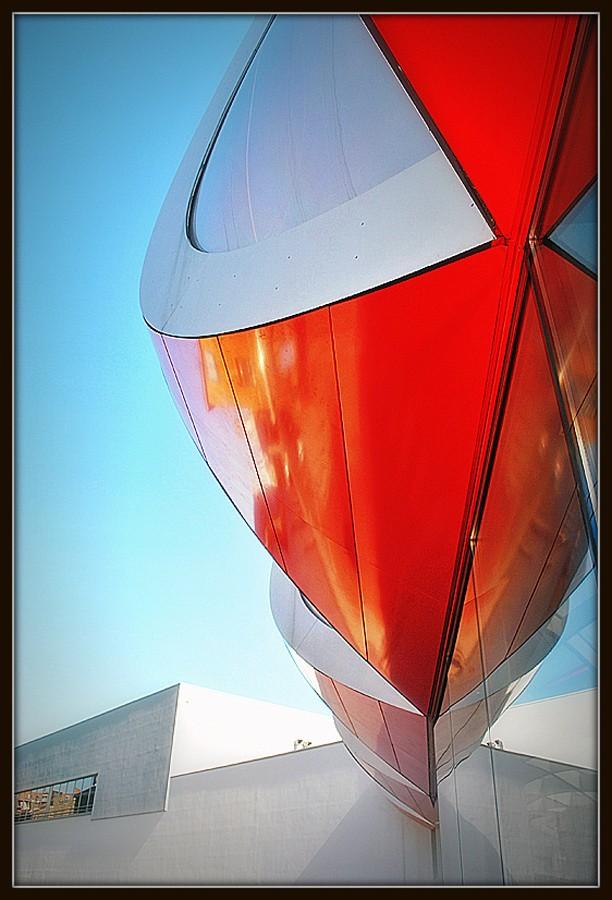 Rouge, rouge et encore du rouge... (Liège) Madiac10
