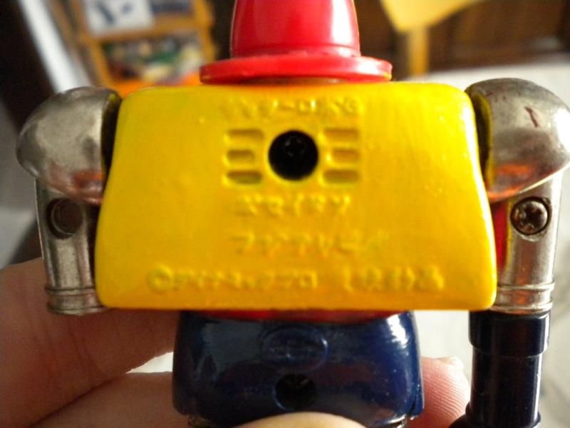 VENDO/SCAMBIO vari giocattoli MEGAZORD; MARVEL; ALIEN; CONAN E ALTRI con qualsiasi cosa di batman !!! Dscn0912