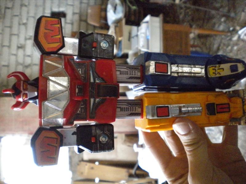 VENDO/SCAMBIO vari giocattoli MEGAZORD; MARVEL; ALIEN; CONAN E ALTRI con qualsiasi cosa di batman !!! Dscn0916