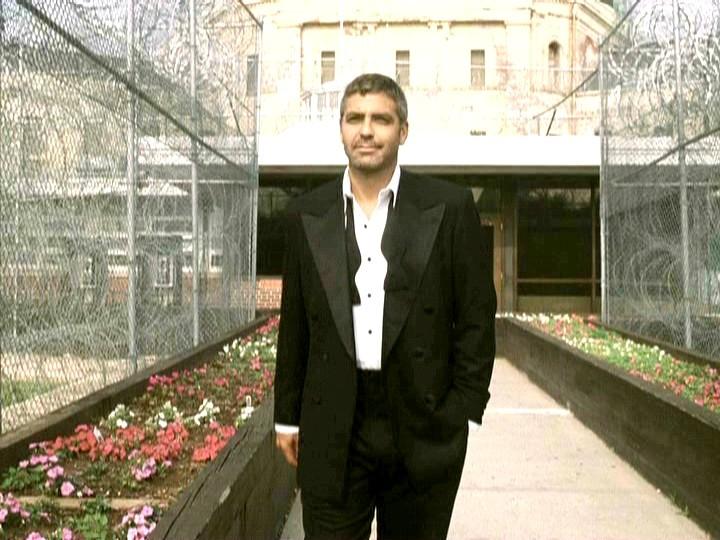 George Clooney George Clooney George Clooney! - Page 18 001oel35