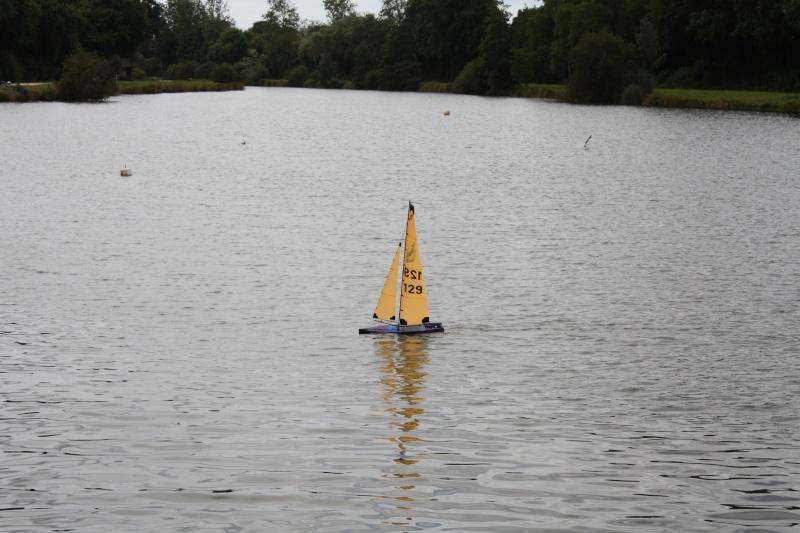 Mon voilier RG N°129 en réglage sur l'eau Img_5610