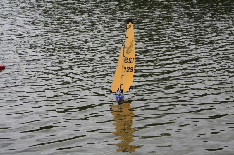 Mon voilier RG N°129 en réglage sur l'eau Img_5611