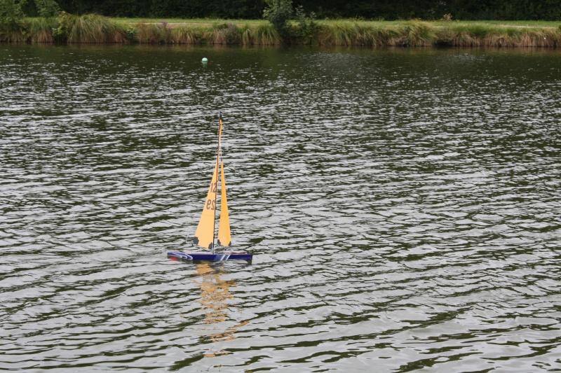 Mon voilier RG N°129 en réglage sur l'eau Img_5612
