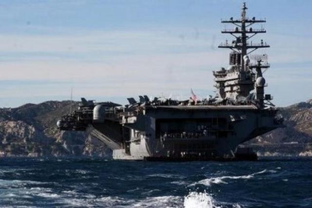 """USS """"IKE"""" à Marseille Uss_ik10"""