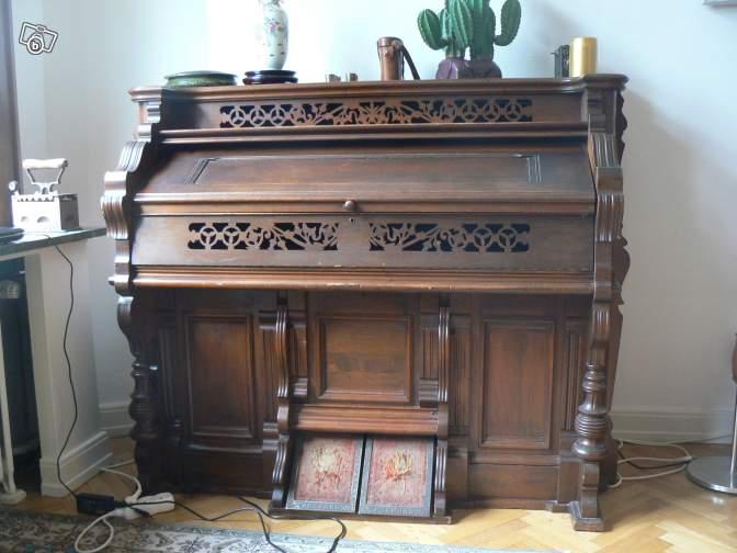 Un harmonium transformé en bar... en vente sur Le Bon Coin Harmon11