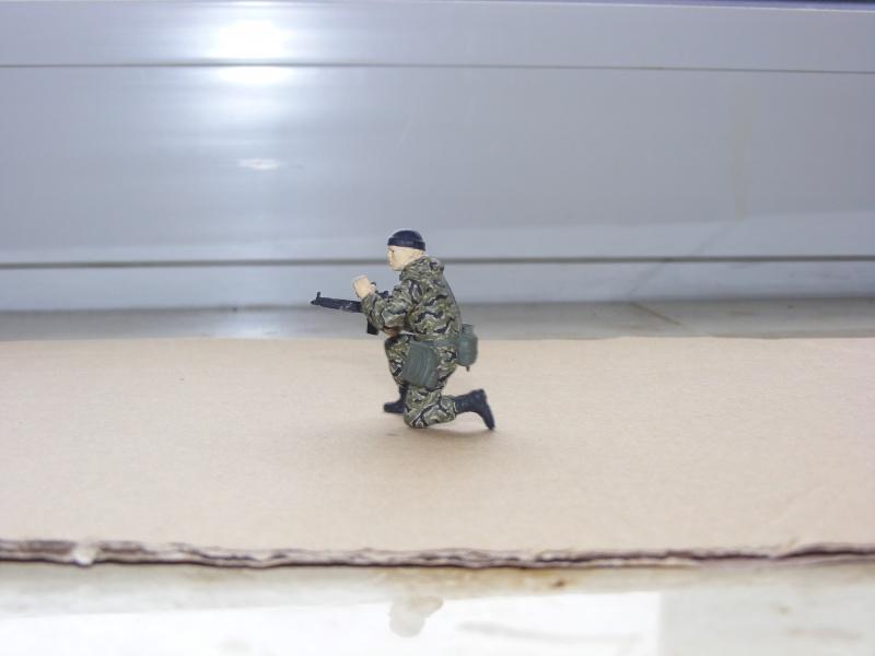 Einzelner Soldat im Spezial Forces Vietnam Tigerstripe Tarnanzug 1:35 Dscf0911