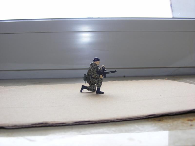 Einzelner Soldat im Spezial Forces Vietnam Tigerstripe Tarnanzug 1:35 Dscf0912