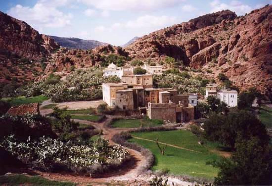 Qui a dit que Tamazighte la Marocaine n'est pas heureuse ? Mimoun11