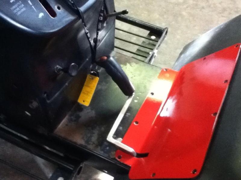 Racing Lawn Tractor ( Mean Rabbit ) 2911