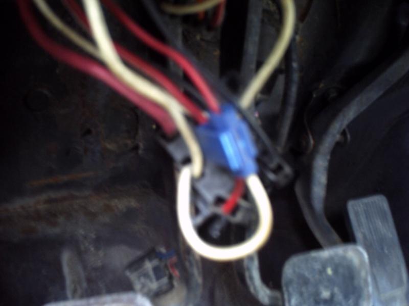 HELP ! connecteur de phare CJ7  Pict0015