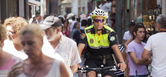 Las bicis municipales llegan antes a la policía de Granada que a los vecinos 13770110