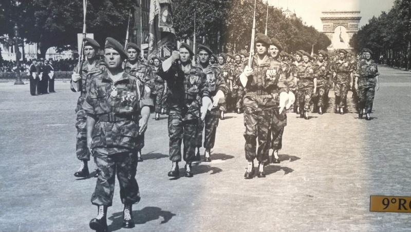 Le colonel BUCHOUD à la tête du 9ème R.C.P. champs Elysées 1957 P1050211