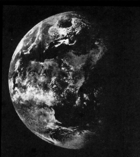 Notre TERRE est CREUSE ainsi que toutes les autres ASTRES  ( Etoiles et Planètes ) 91963710