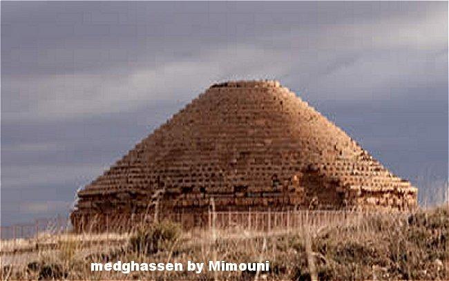 Pyramides Amazigh Mimoun10