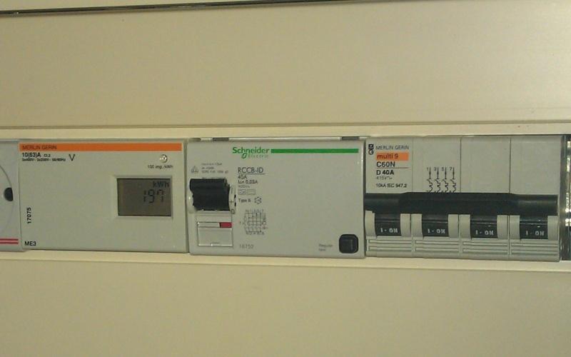 Pré-tuto : passer une borne Schneider EV Link NCA11130 en 11 kw triphasé - Page 2 Imag1410