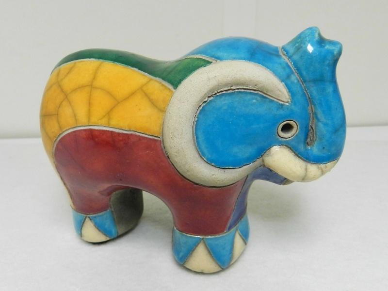 South African Raku Pottery Elephant  Dscn8810