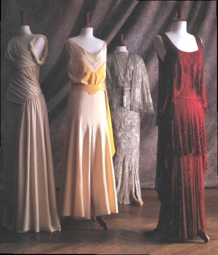 [en cours] Costume femme 11818710