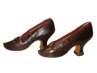 [Historique] chaussures : De la Renaissance au XIXème 18-40110