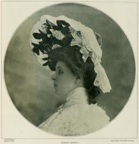 [Historique] coiffures, voiles et chapeaux : XIXème Chapea11