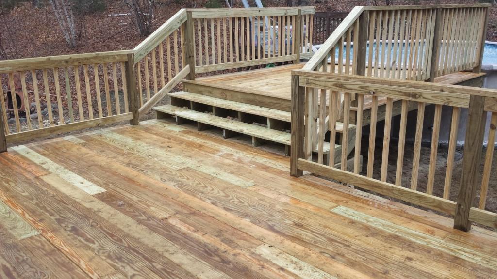 Roddie's new deck-Spring 2019 20190360