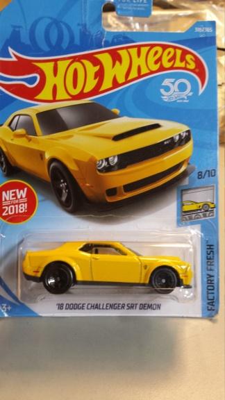 Mattel HotWheels  - Page 3 Dodge_14