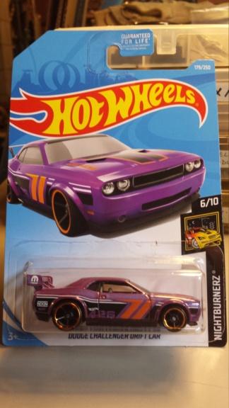 Mattel HotWheels  - Page 3 Dodge_15