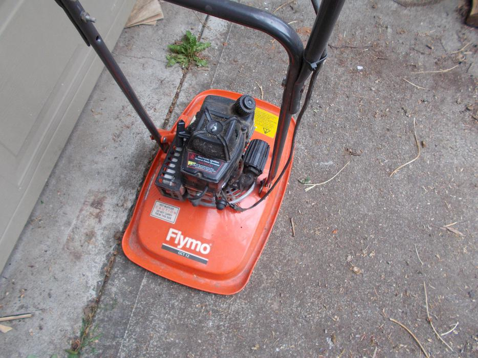 Here we go again... another Lawn-Boy Flymo-10