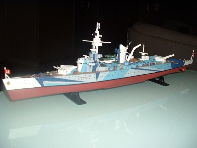Croiseur lourd LUTZÖW Heller 1/400 Dscf0011