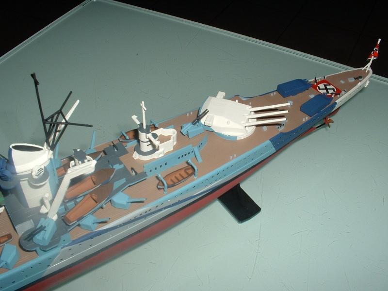 Croiseur lourd LUTZÖW Heller 1/400 Dscf0014