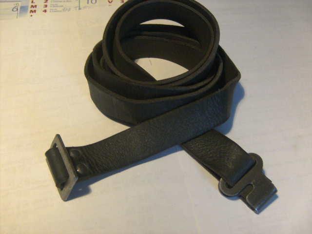 renseignement sur bretelle mosin nagant en cuir  Bild4110