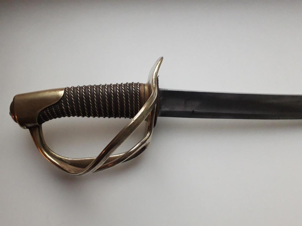 Un sabre étonnant de troupe modèle 1822 de cavalerie légère 20181144