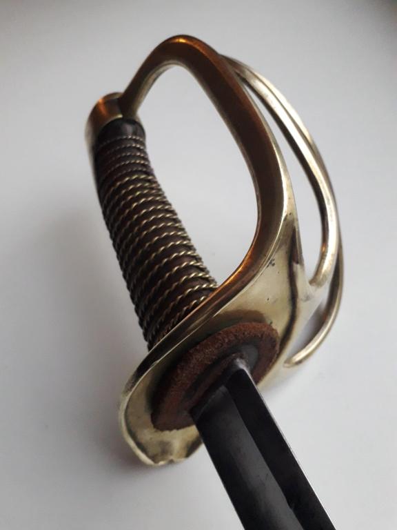 Un sabre étonnant de troupe modèle 1822 de cavalerie légère 20181148
