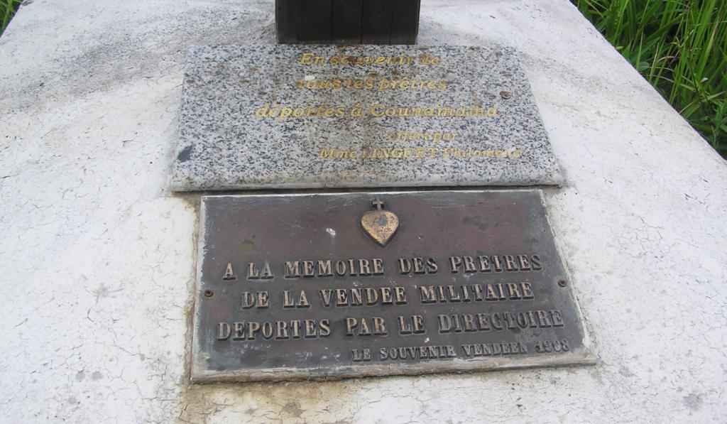 Sur les traces des guerres de Vendée et de la Chouannerie - Page 3 La_pla10