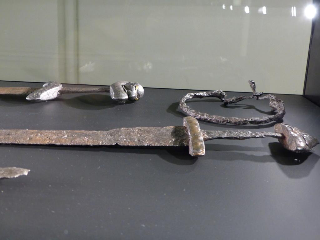 Les armes des Vikings P1090510