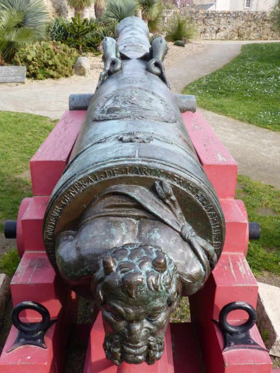Le canon du Soleil Royal P1110316