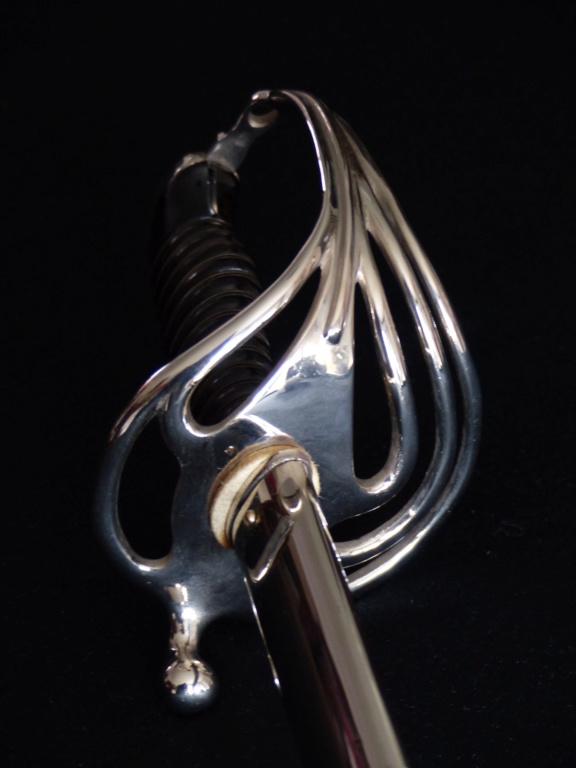 """Montures """"à la Nancy"""" : sabres fantaisie de fourbisseur inspiré du modèle 1882 P1140019"""