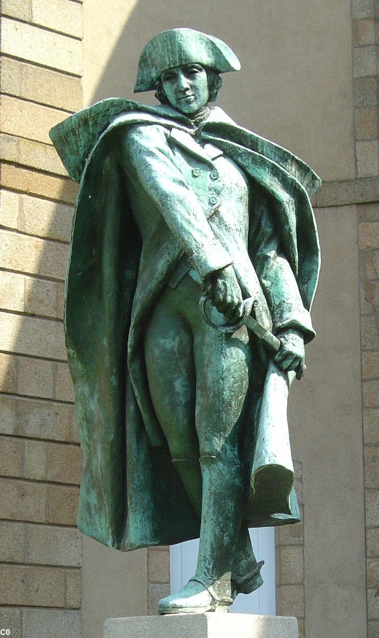 Sur les traces des guerres de Vendée et de la Chouannerie - Page 3 Statue10