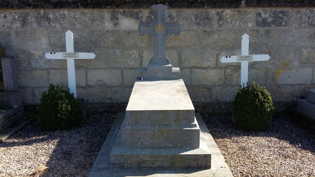 Des dragons contre des Aviatik : la charge de l'escadron Gironde Tombe-10