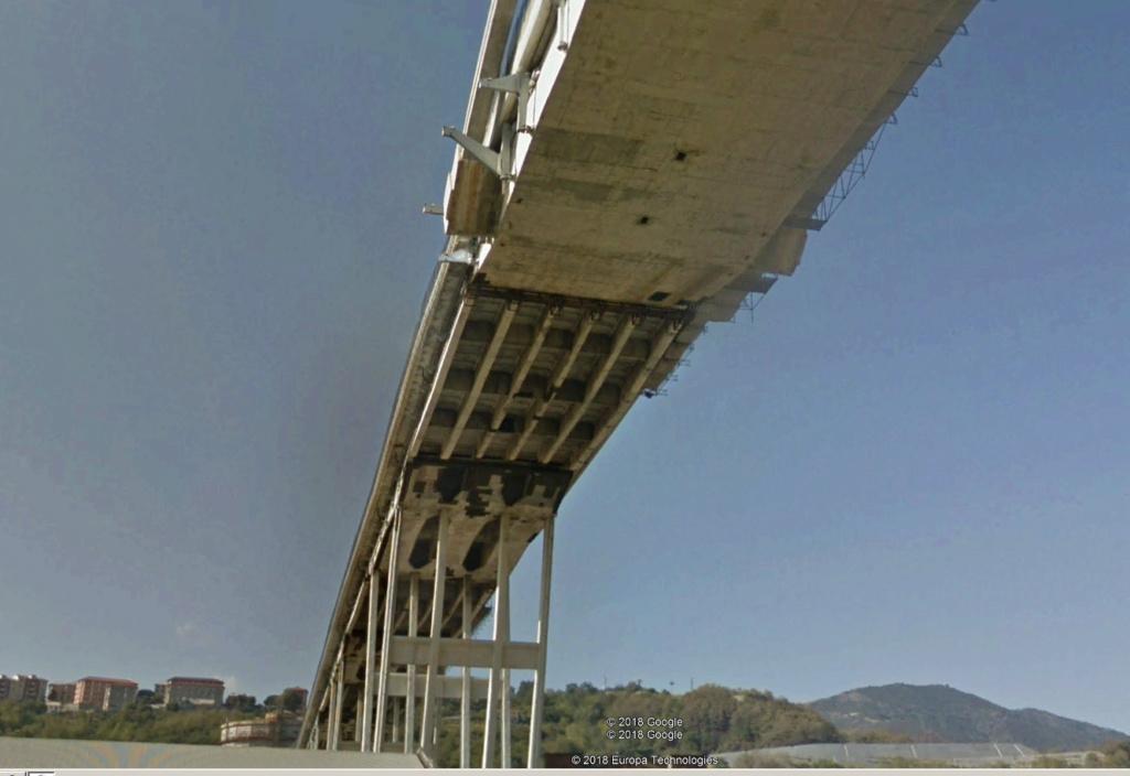 ACTUALITE : Le pont Morandi à Gènes (autoroute A10) s'est écroulé Ital210