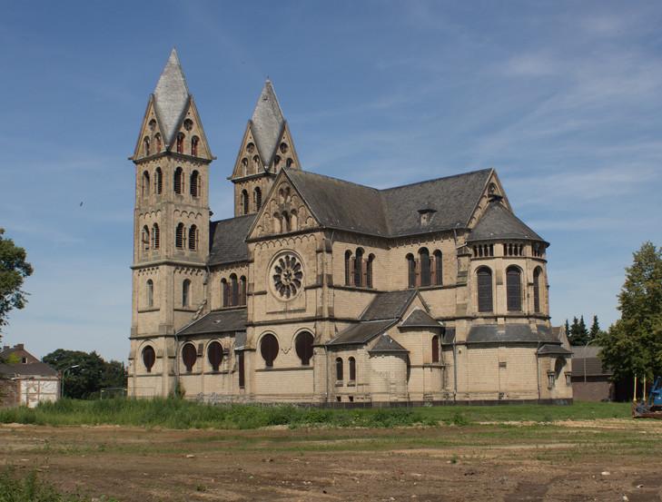 Massacre d'une église. Leglis10
