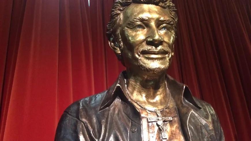 Une statue à Néris Johnny15