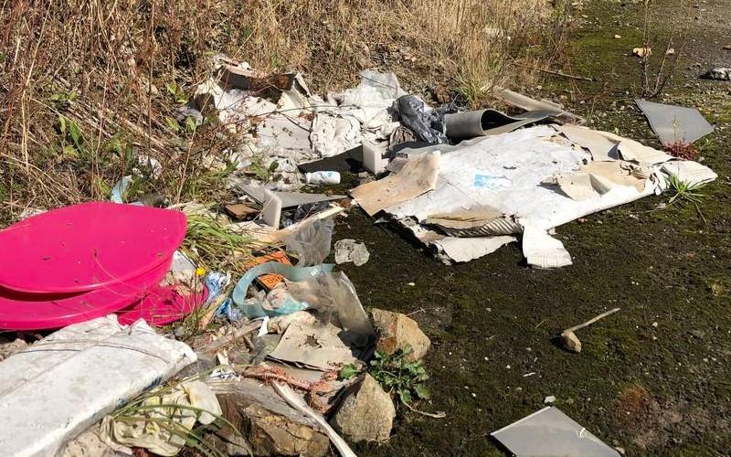 EN IMAGES. À l'ancien aérodrome de Saint-Brieuc, les déchets s'accumulent 711