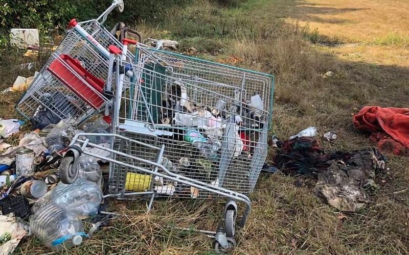 EN IMAGES. À l'ancien aérodrome de Saint-Brieuc, les déchets s'accumulent 811